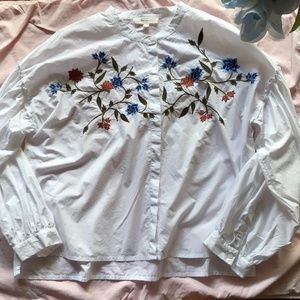 TWO by Vince Camuto Long Sleeve Floral Embroidered